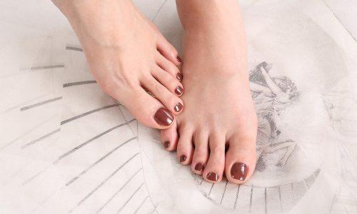 pedikura manikura oskrba stopal in nohtov